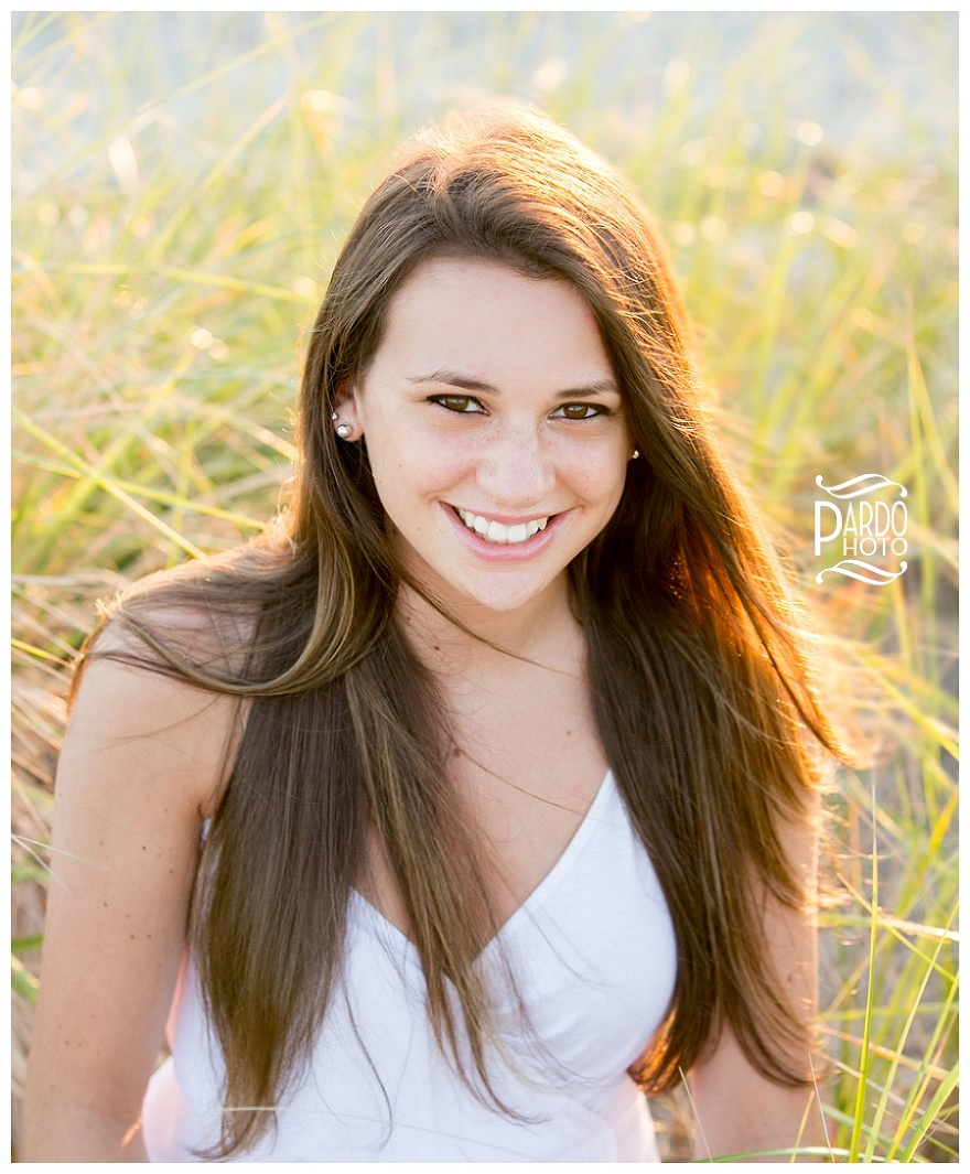 Senior_Portrait_Pardo_Photo_Duxbury_Beach